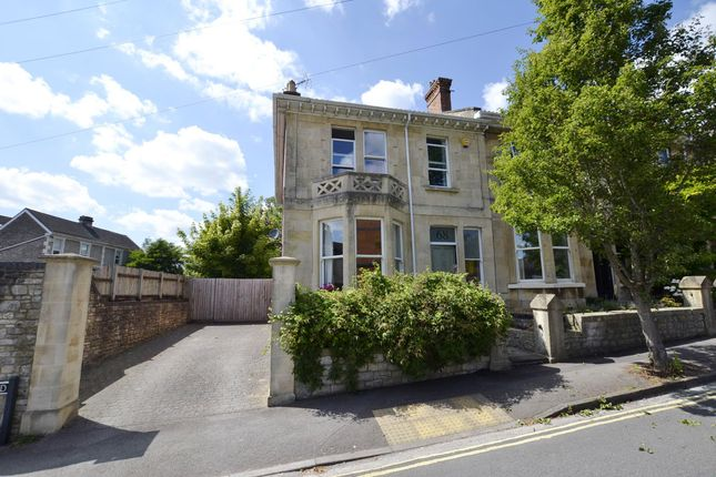 Front Elevation of Rosslyn Road, Bath BA1