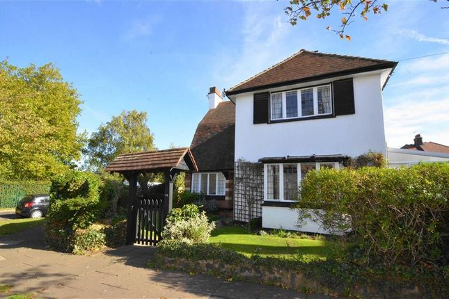 Thumbnail Detached house to rent in Lindisfarne Avenue, Leigh-On-Sea, Essex