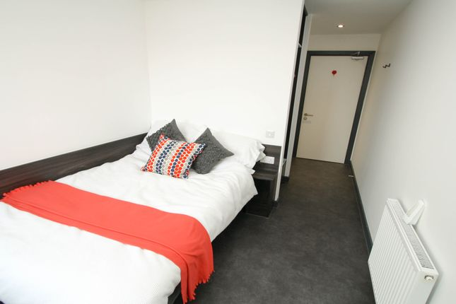 Thumbnail Flat to rent in Clarance Street, Newcastle