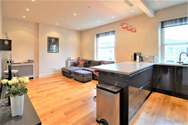 Flat for sale in Princess Road, London