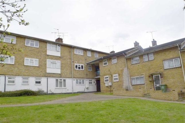 Thumbnail Flat for sale in Long Riding, Basildon, Essex