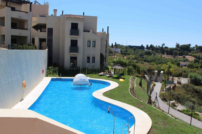 2 bed apartment for sale in Selwo, Costa Del Sol, Andalusia, Spain
