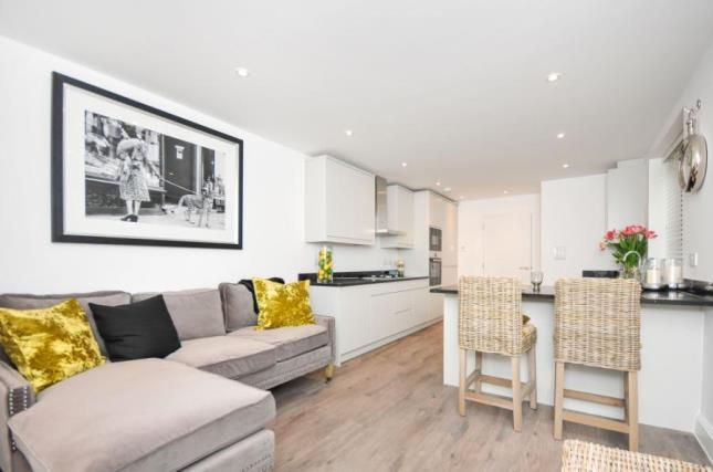 Thumbnail Flat for sale in 218 Brighton Road, South Croydon