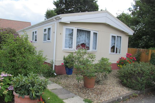 Thumbnail Mobile/park home for sale in The Blossoms, Orchard Park (Ref 5380), Chieveley, Newbury, Berkshire