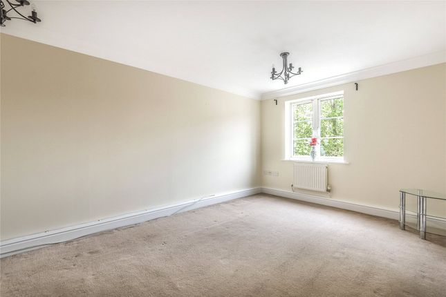 Living Room of Castle Gate, 114 Castle Street, Reading, Berkshire RG1