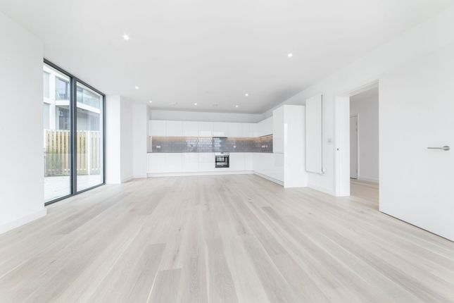 Thumbnail Flat to rent in Flotilla House, 12 Cable Street, Royal Wharf, London