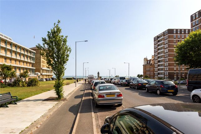 Flat for sale in Victoria Court, 16 Grand Avenue, Hove, East Sussex
