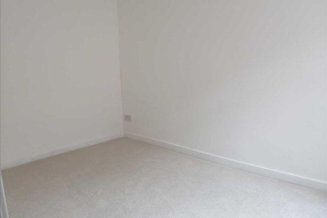 Bedroom of Swan Terrace, Penygraig, Tonypandy CF40