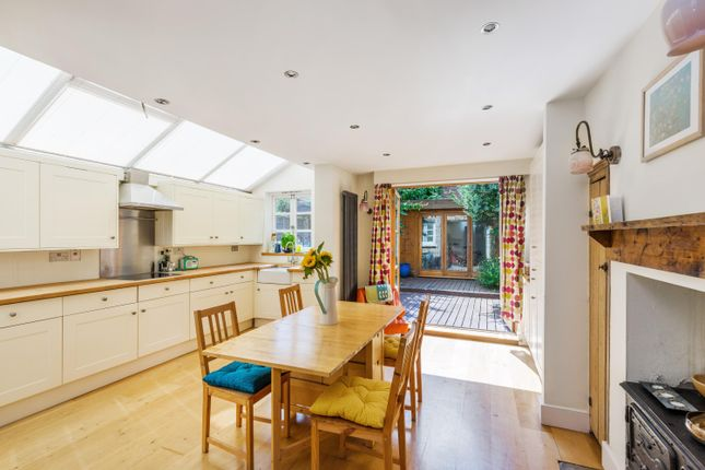 Thumbnail Terraced house to rent in Avenell Road, London