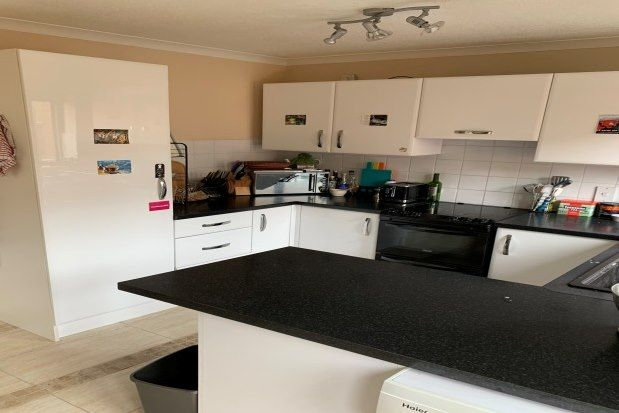 3 bed property to rent in South Mill Road, Salisbury SP4