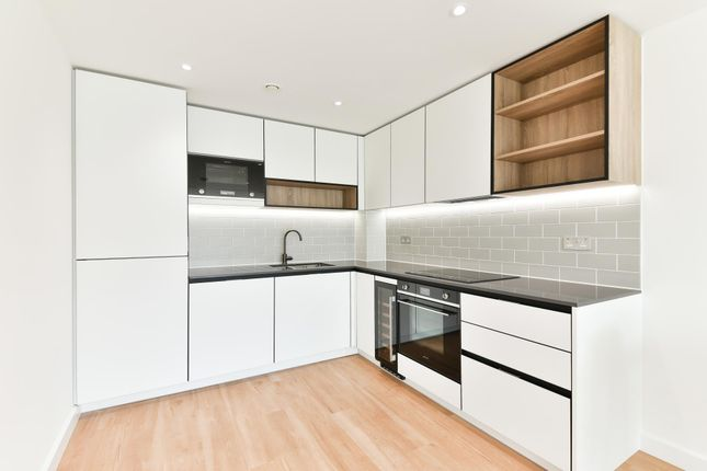 Thumbnail Flat to rent in Fermont House, Beaufort Sqaure, Colindale