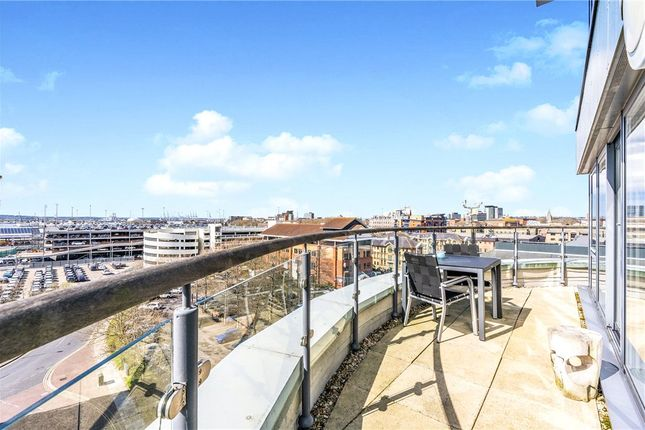 Thumbnail Flat for sale in Cobalt Quarter, Maritime Walk, Southampton