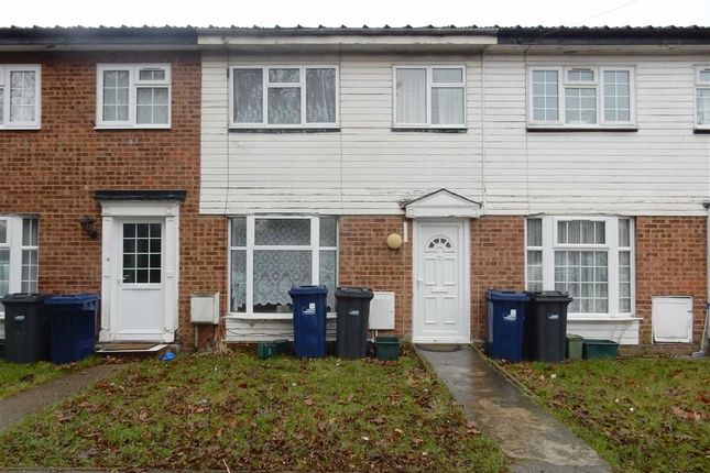 Thumbnail Terraced house for sale in Bixley Close, Southall, Middlesex