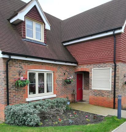 Thumbnail Cottage for sale in The York, Durrants Village, Faygate, Horsham, West Sussex