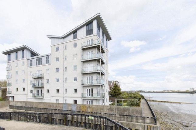 Thumbnail Flat to rent in Woolwich Manor Way, Royal Docks