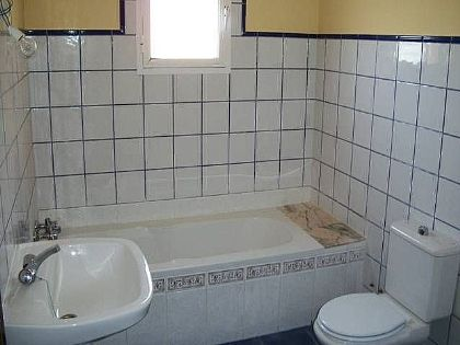 9.Bathroom of Spain, Málaga, Guaro