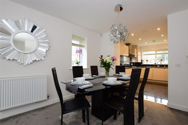 Lounge/Diner of Becket Close, Woodford Green, Essex IG8