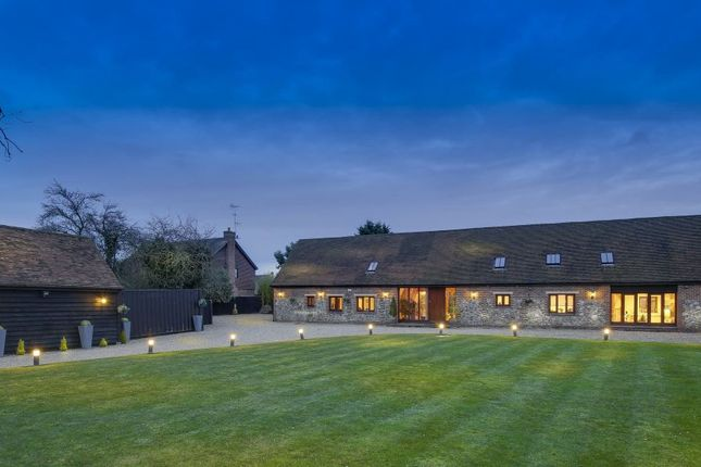 Thumbnail Barn conversion for sale in Common Lane, Radlett