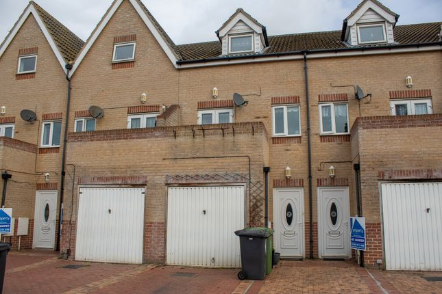 Thumbnail Terraced house to rent in Queen Annes Road, Great Yarmouth