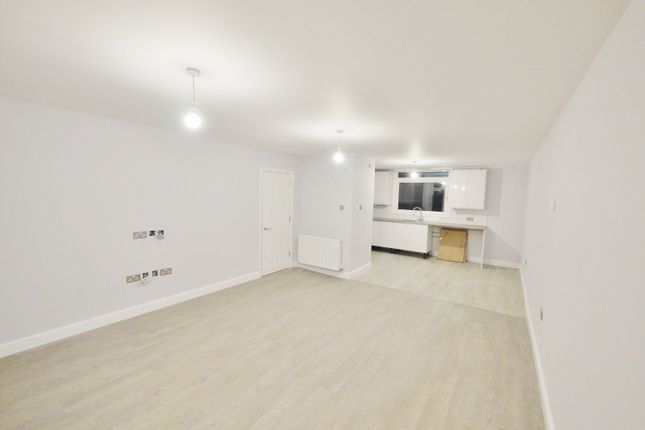 Thumbnail Flat to rent in Burgess Court, Burland Road, Brentwood