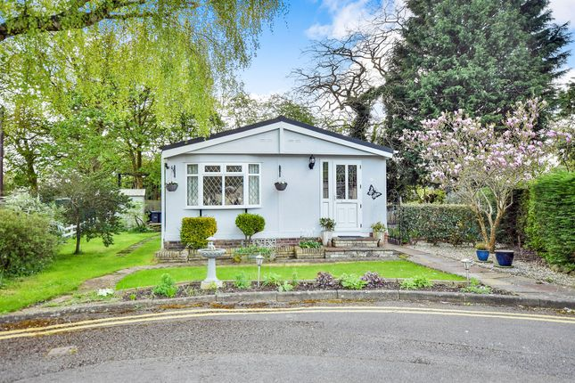 Thumbnail Mobile/park home for sale in Hook Street, Royal Wootton Bassett, Swindon