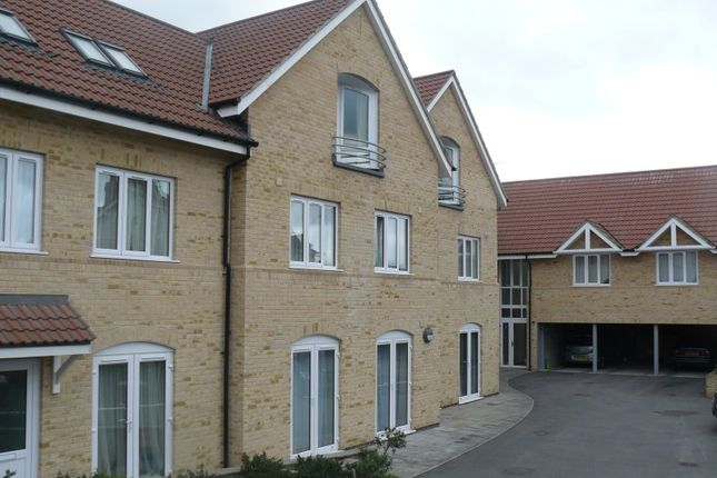Thumbnail Flat to rent in Eastwick Road, Taunton