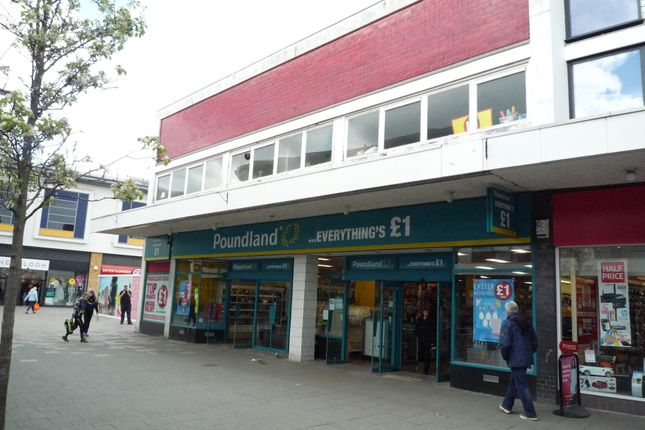 Thumbnail Retail premises to let in Queensmead, Farnborough