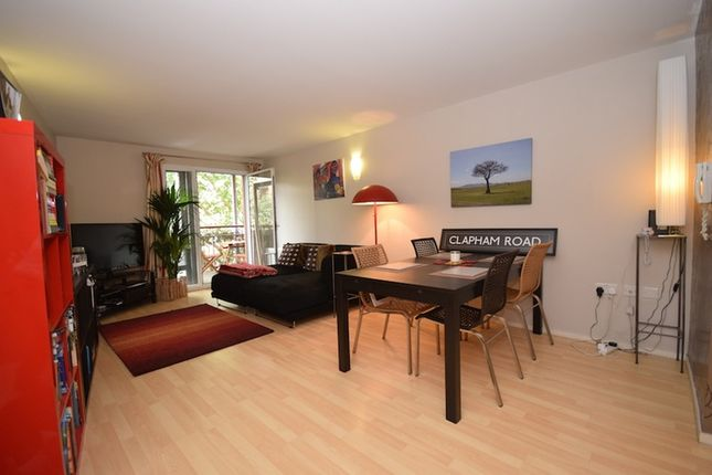 Thumbnail Flat for sale in Clapham Road, London, London