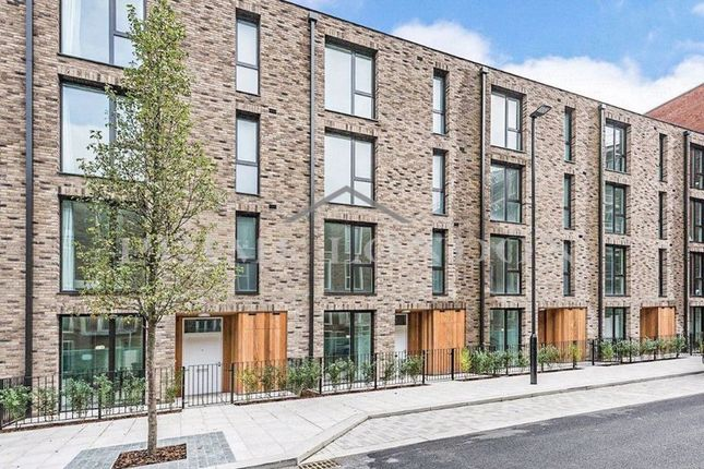 4 bed town house for sale in Townhouse, Starboard Way, Royal Wharf E16