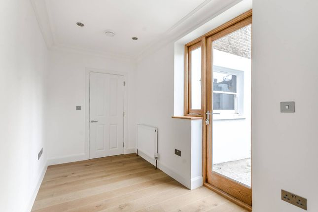 Lordship Lane, East Dulwich SE22