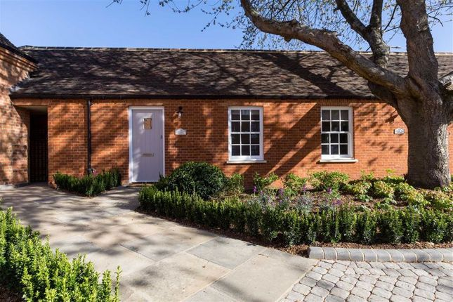Thumbnail Cottage for sale in Totteridge Park, Totteridge Common, Totteridge, London
