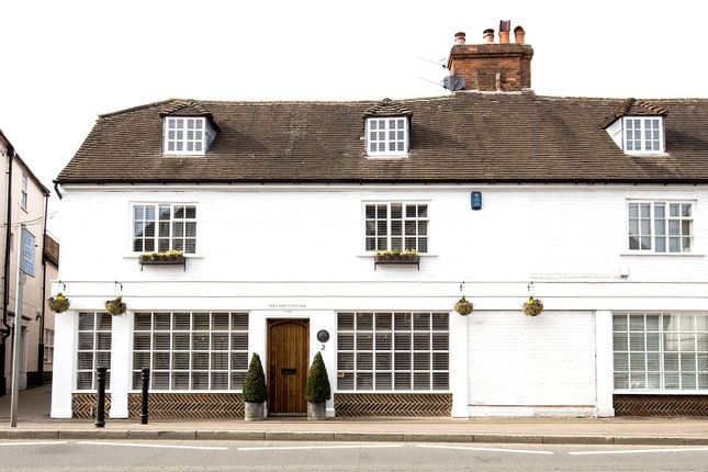 Thumbnail Property for sale in 2 High Street, Hadlow