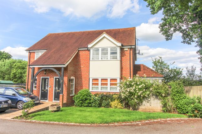 Thumbnail Flat for sale in Basingstoke Road, Riseley, Reading