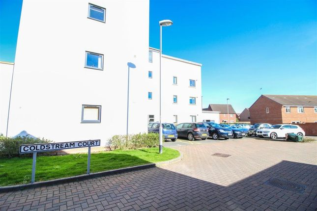 Thumbnail Flat to rent in Coldstream Court, Coventry, West Midlands