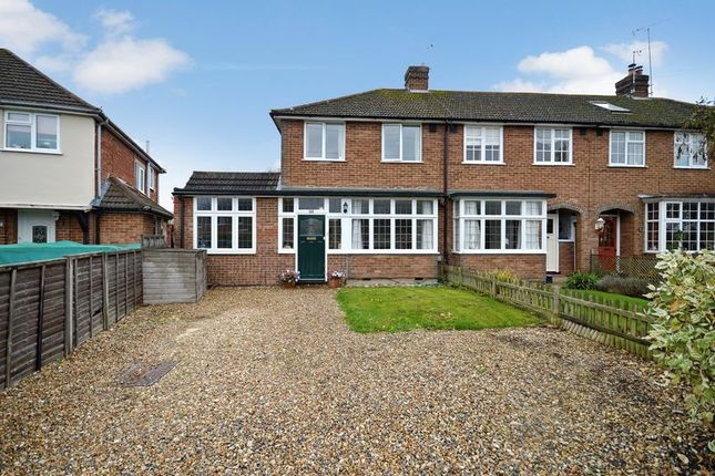 3 bed semi-detached house for sale in Grenville Avenue, Wendover, Aylesbury