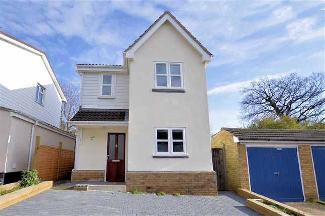 Thumbnail Detached house for sale in Western Avenue, Epping