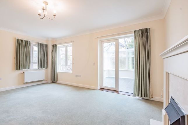Living Room of Queen Mothers Drive, Denham Garden Village, Uxbridge UB9