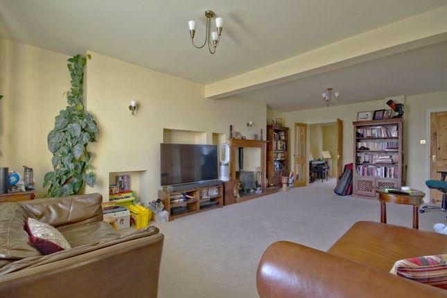 Living Room of Kendal Way, Cambridge CB4