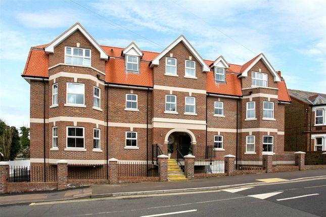 Picture No. 41 of Flat 23 High Views, Ellam Court, Bushey, Hertfordshire WD23