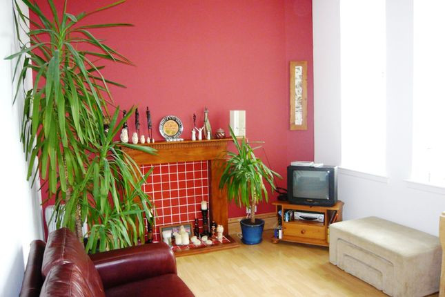 Thumbnail Flat to rent in St. Leonards Street, Dunfermline