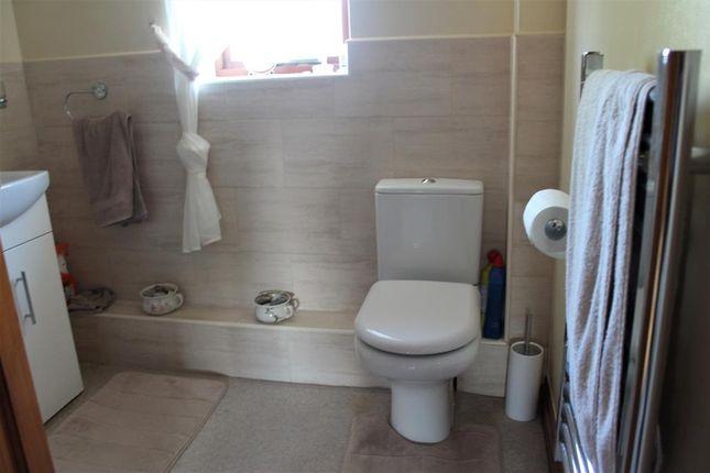 Shower Room of Roedeer Cottages, Raskelf, York YO61