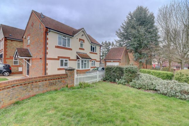 Thumbnail Link-detached house for sale in Lyndon Gardens, High Wycombe, Buckinghamshire