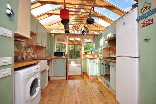 Thumbnail Semi-detached house to rent in The Ridge, Kennington, Ashford
