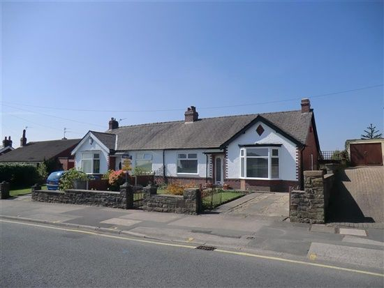 Thumbnail Bungalow to rent in St Helens Road, Over Hulton, Bolton