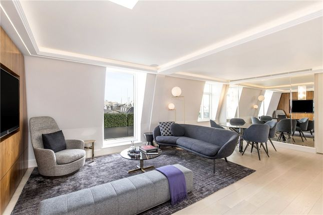 Flat for sale in Chesterfield Gardens, Mayfair, London