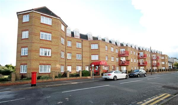 Thumbnail Flat for sale in Edith Road, Clacton-On-Sea