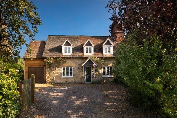 Thumbnail Cottage to rent in Church End, Biddenham, Bedford
