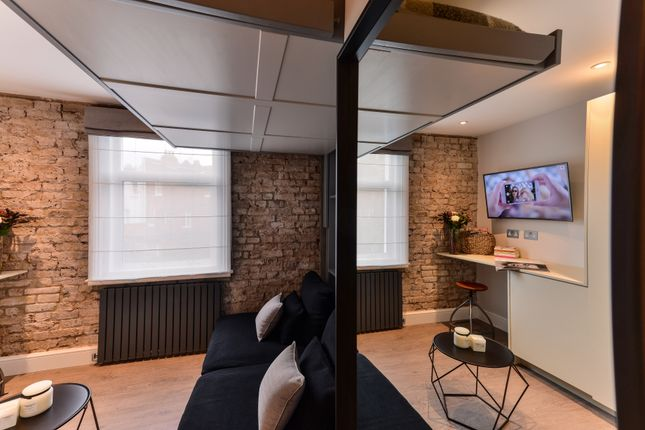 Studio to rent in Kingdon Road, London