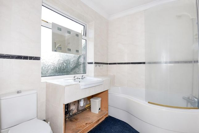 Thumbnail Maisonette to rent in Wokingham Road, Bracknell