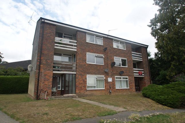 Thumbnail Flat to rent in The Elms, Andover